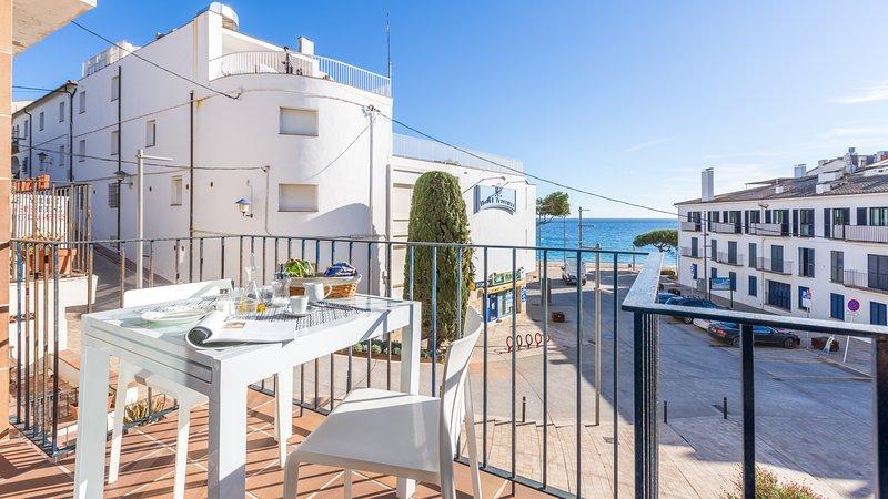 Llafranc Apartment Sleeps 4 with Air Con and WiFi - 5223604, holiday rental in Llafranc