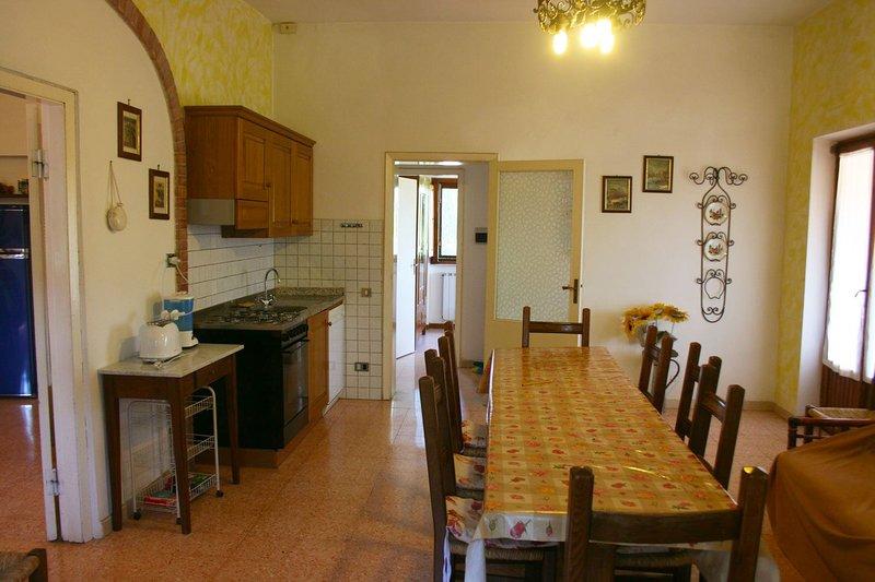 VILLA IL CEDRO, holiday rental in Castiglione del Lago