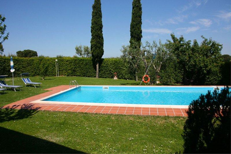 Petrignano Villa Sleeps 10 with Pool and Air Con - 5490419, casa vacanza a Petrignano
