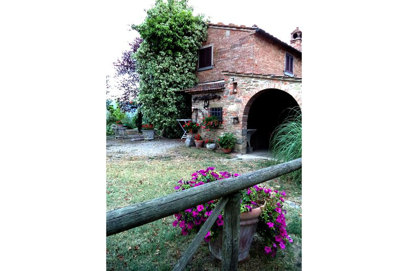 Sant'Angiolo Apartment Sleeps 5 with Pool and Air Con - 5490360, holiday rental in Appalto