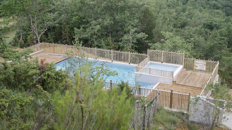 emplacement camping tarif pour 2 adultes, alquiler vacacional en Aigues-Vives