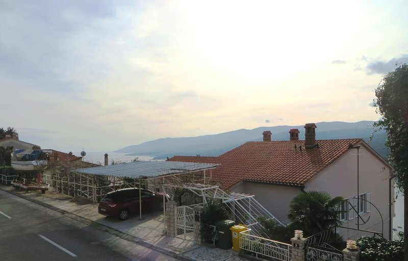 Two bedroom apartment Rabac, Labin (A-7410-e), location de vacances à Rabac