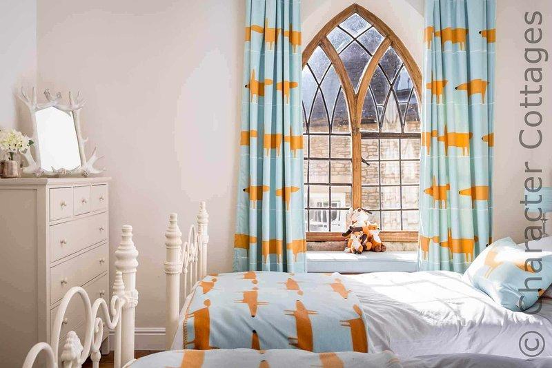 Una habitación doble luminoso y elegante