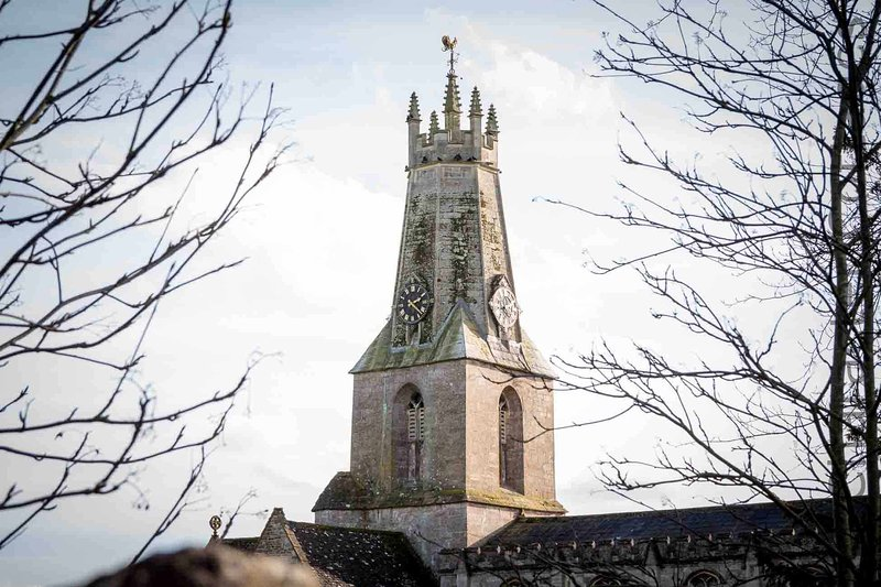 hermosa iglesia de la Trinidad Santa de Minchinhampton
