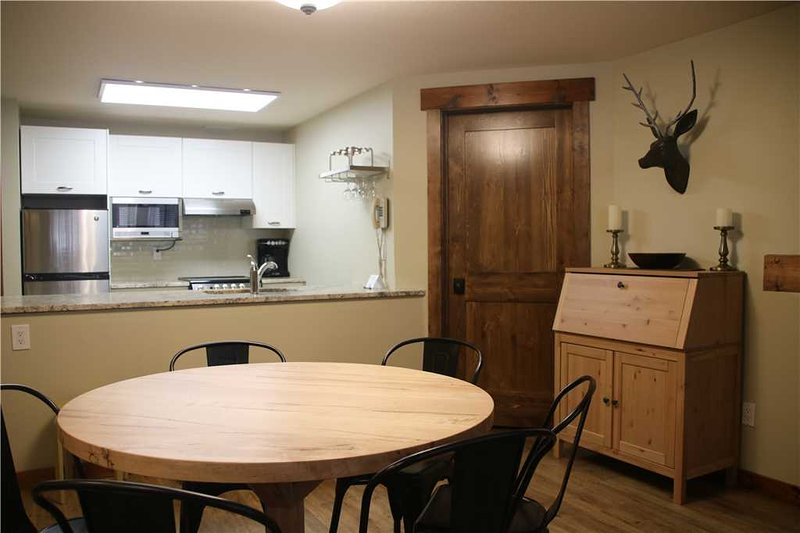 Timberline Lodges - 202 Spruce, holiday rental in Jaffray