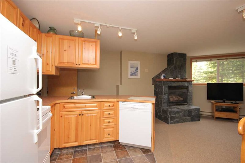 Timberline Lodges - 306 Aspen, holiday rental in Jaffray