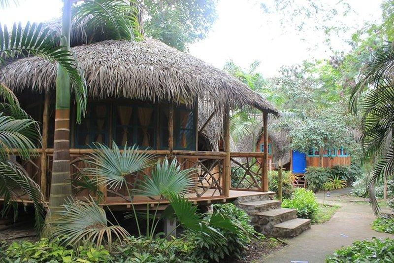 #4 Private Cabin's at the beach!/Cabin #4, Ferienwohnung in Machalilla National Park