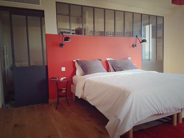 Lassenat chambre d'hôtes Côté terrasse, aluguéis de temporada em Vic-Fezensac