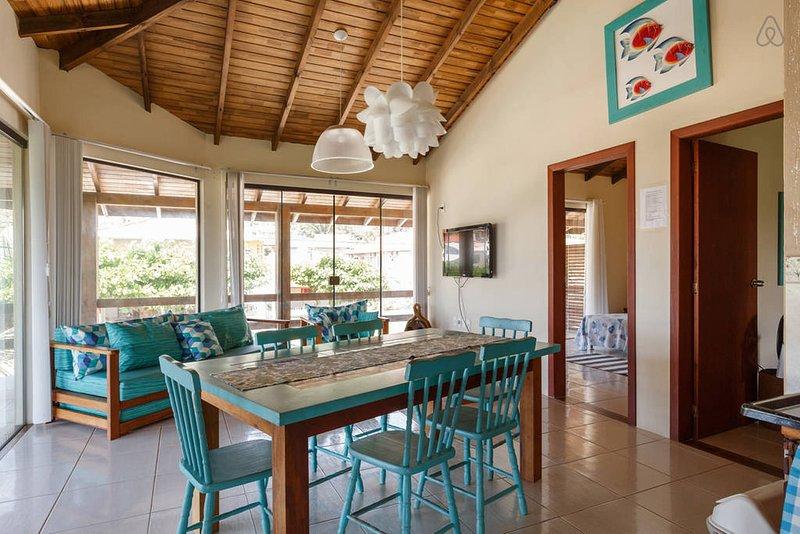 Apartamento a Beira Mar da Gamboa Garopaba Ap Aqua, vacation rental in Garopaba