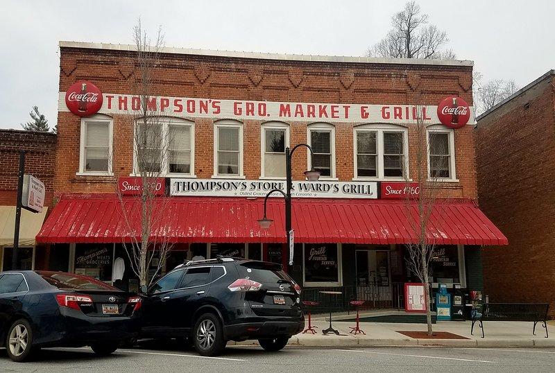 mercearia de Thompson em Saluda, Carolina do Norte é a mais antiga mercearia de operação no estado.