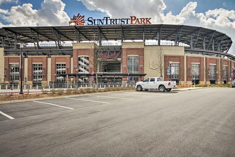 Situé à quelques minutes du SunTrust Stadium, le chalet a quelque chose pour tout le monde.