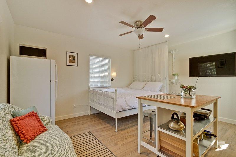 Cozy Studio 1bed 1bath, vacation rental in San Mateo