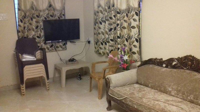 TripThrill Ayesha Bungalow, holiday rental in Wai