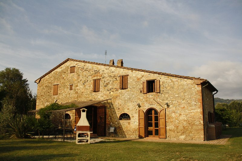 Maremma 4  200 square meters apartment in ancient farm in Tuscany, Ferienwohnung in Cecina