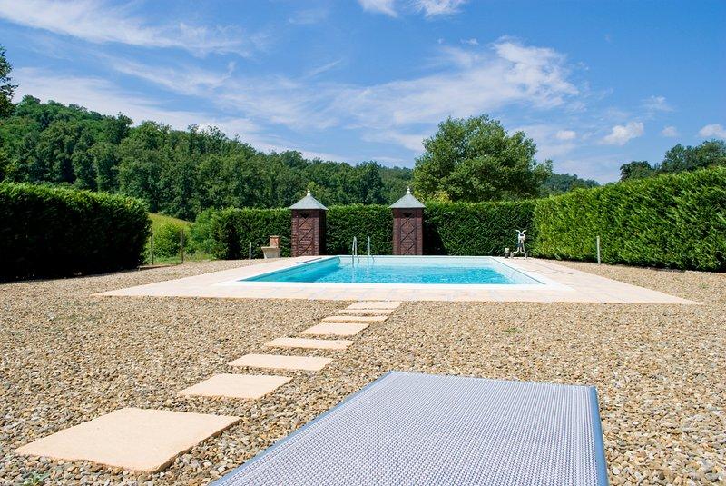 Rota Villa Sleeps 16 with Pool - 5584117, holiday rental in Leccio