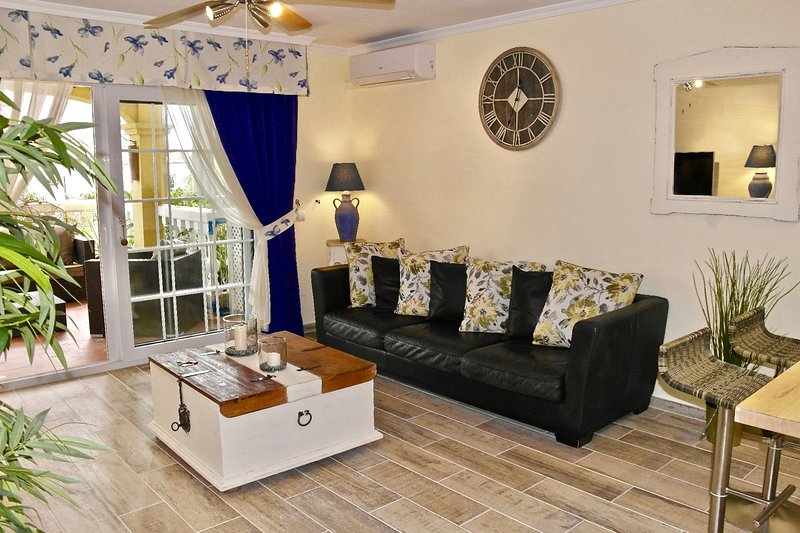 Luxury Lounge fully air conditioned.