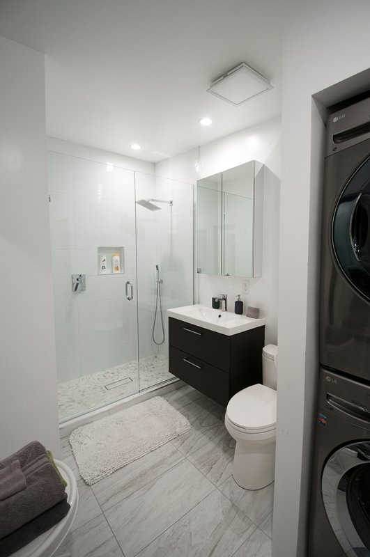 Bathroom 3 with laundry