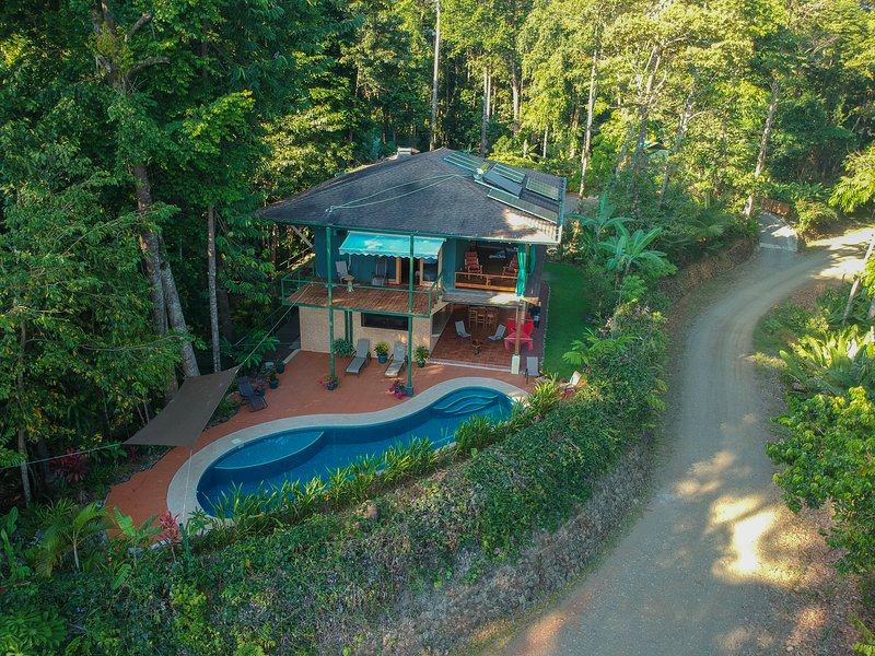 Casa Uvita: Rainforest & Ocean Views, Eco-Home – semesterbostad i Uvita