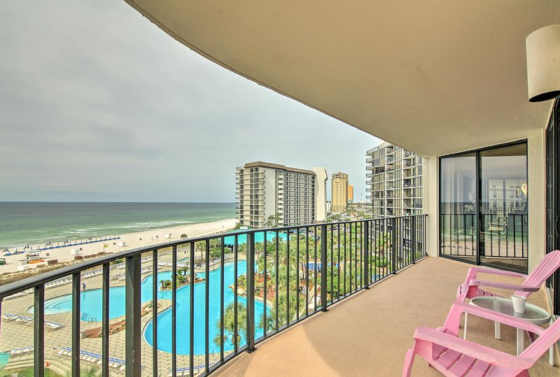 Beachfront Panama City Condo w/Balcony & Boat Slip, vacation rental in Panama City Beach