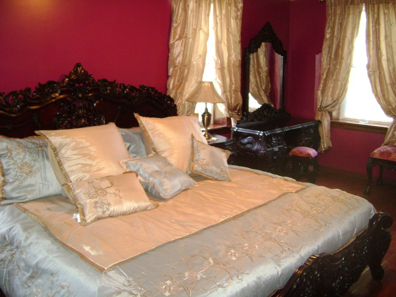 Room #1 Concord Wine Hill Top B & B, holiday rental in Canajoharie