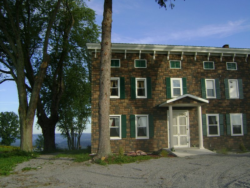 Hill Top Bed & Breakfast, vacation rental in Stratford