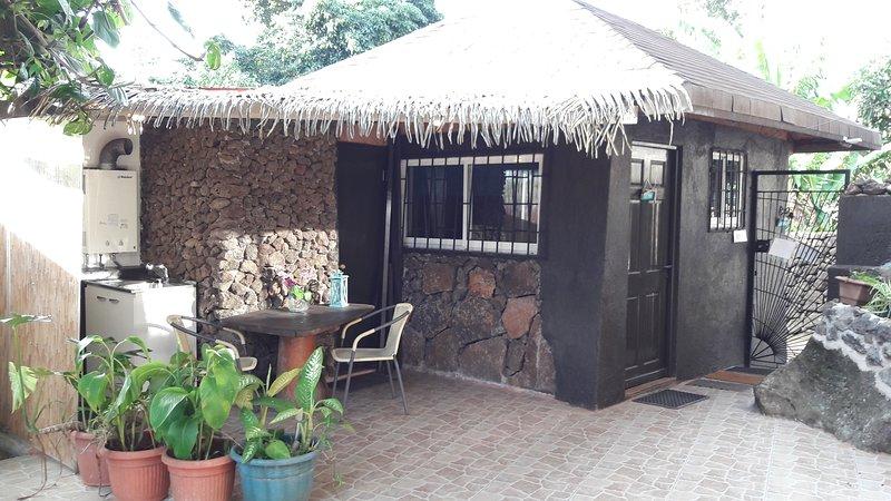 CHEZ HIVA - Loft 2 : Polynesian Bungalow -Town & Beach (2p) - SERNATUR 34383, holiday rental in Easter Island