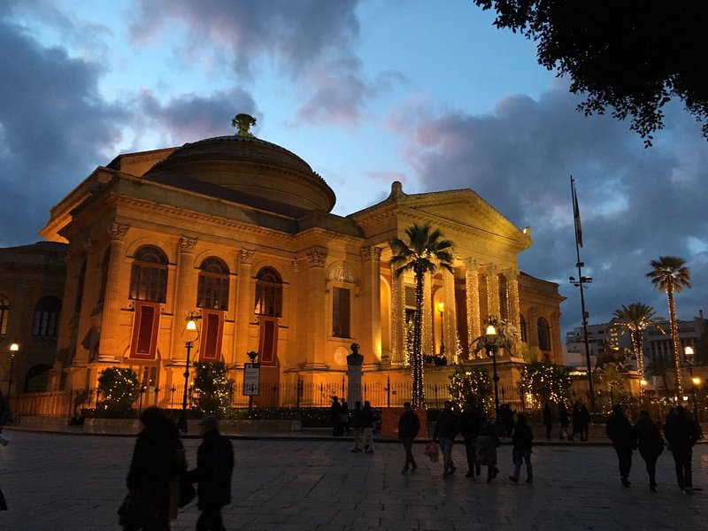 Teatro Massimo 5 minutos a pie de la casa
