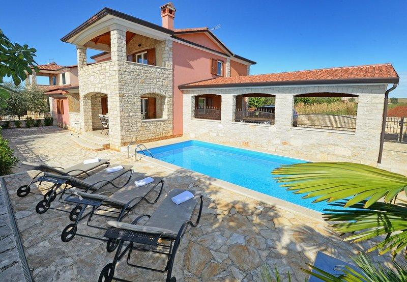 Villa Bianca, holiday rental in Tar