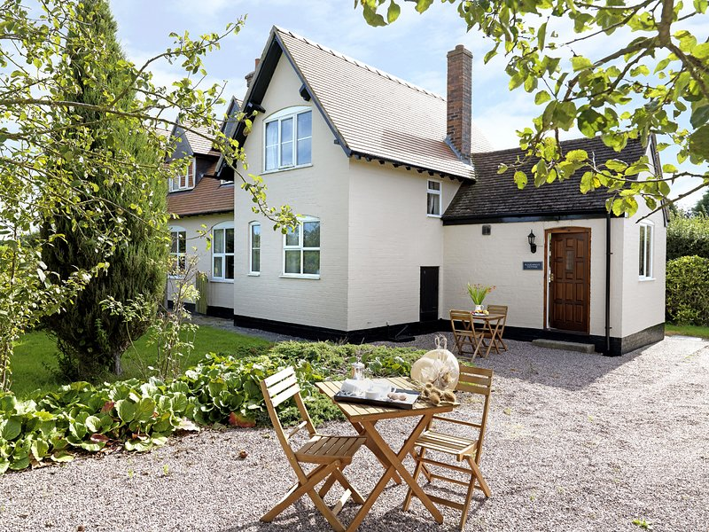 Ploughmans Cottage, Weston-Under-Redcastle, holiday rental in Burlton