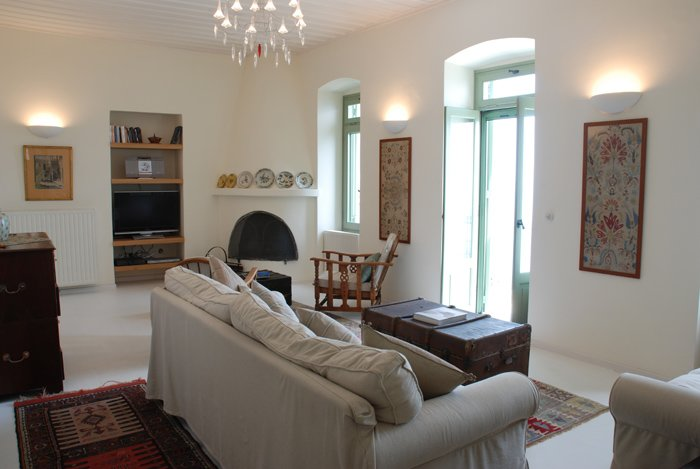 Villa Maroudi- Tradition and Luxury, holiday rental in Trachi