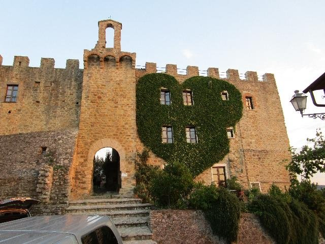 Appartamento in castello, vacation rental in Canalicchio