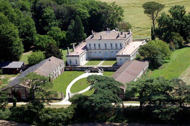 Gite du château de Boisverdun, holiday rental in Puymiclan