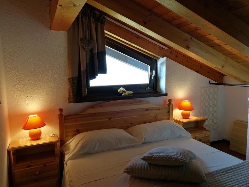 Mansarda Romantica  in chalet PILA, holiday rental in Charvensod