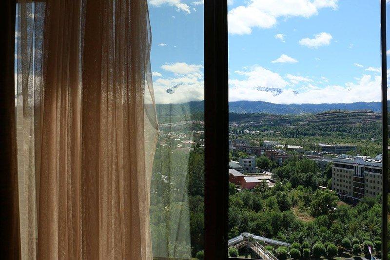 Penthouse with 3 bedrooms, aluguéis de temporada em Cazaquistão