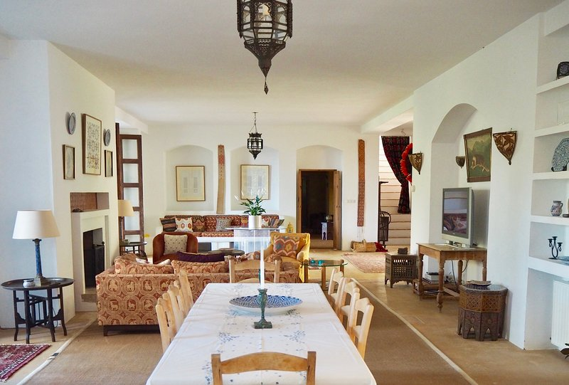 The main reception room offers plenty of space