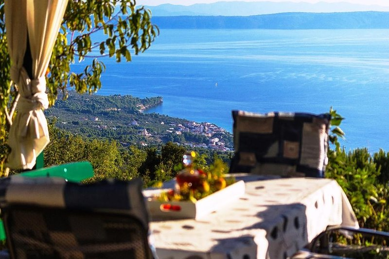 Holiday house Tučepi with seaview, garden, grill, vacation rental in Tucepi