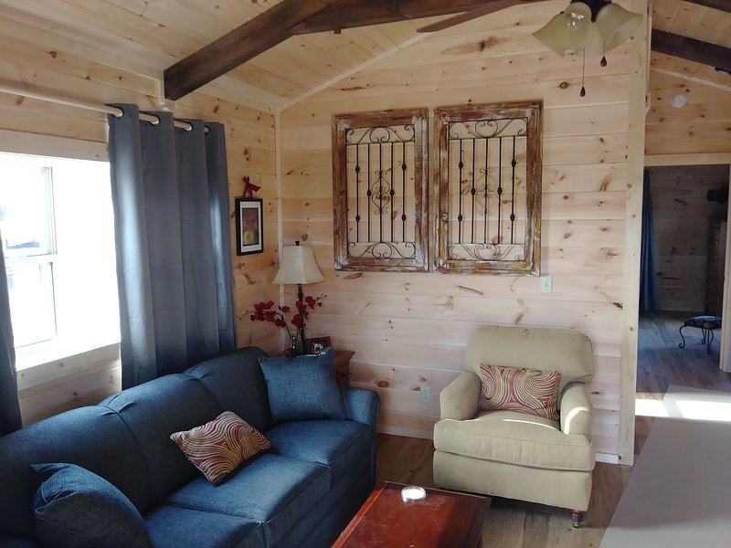 Moore Rd. Cabin # 1,  approx. 1 mile from Tryon International Equestrian Center, vacation rental in Tryon