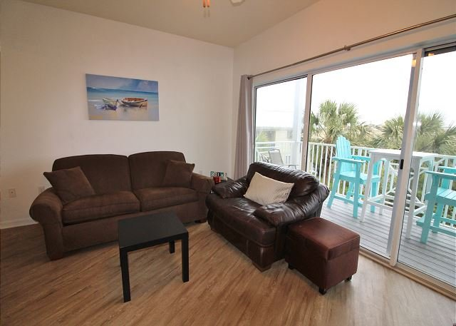 Living Area with Sleeper Sofa(2nd floor)