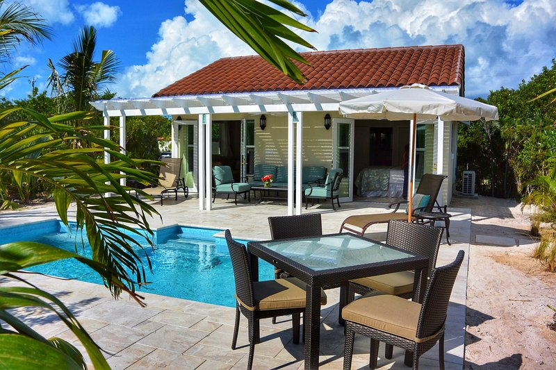 Esencia Cottage - Private Pool - On the Beach - Intimate, Natural & Serene, holiday rental in Providenciales