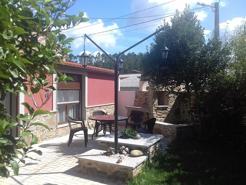 Beautiful house with garden & Wifi, holiday rental in Mazaricos