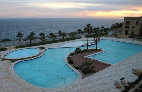piscina principal común