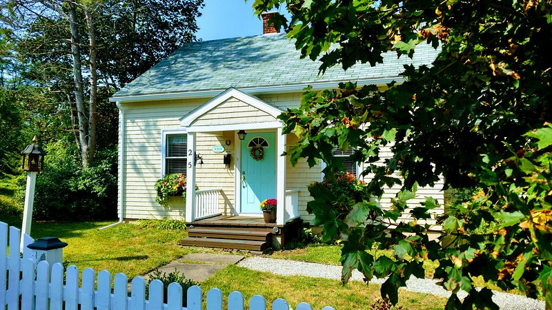 Cherry Lane Cottage Mahone Bay NS, location de vacances à Mahone Bay
