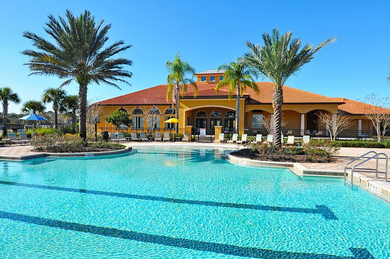 Sanitized, Private Pool/Spa, Veranda, Nice View, No Rear Neighbor, Gated Resort, holiday rental in Orlando