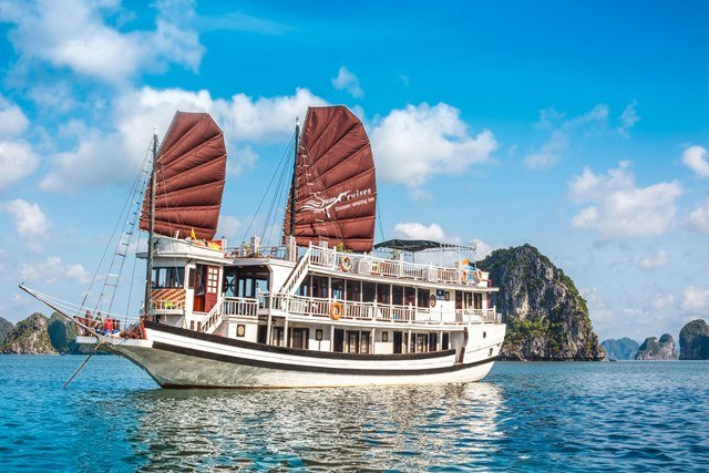 Swan Cruises Halong, vacation rental in Halong Bay