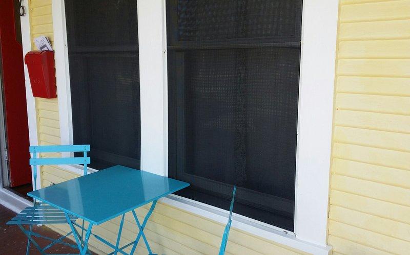 Relájese en el porche y disfrutar de la vista.