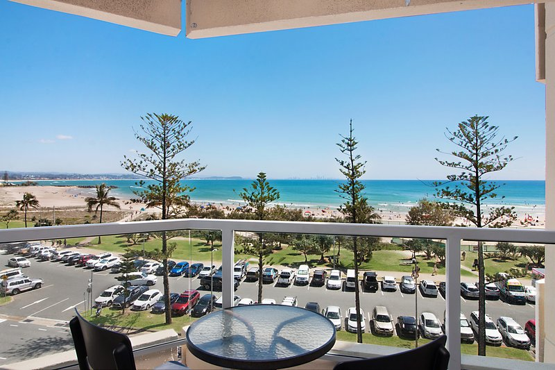Kooringal Unit 15 - Across the Road from Twin Towns Services Club, vacation rental in Gold Coast