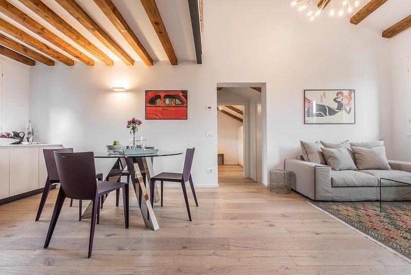 das San Trovaso Terrace ist eine elegante neue Wohnung mit Designer-Interieur