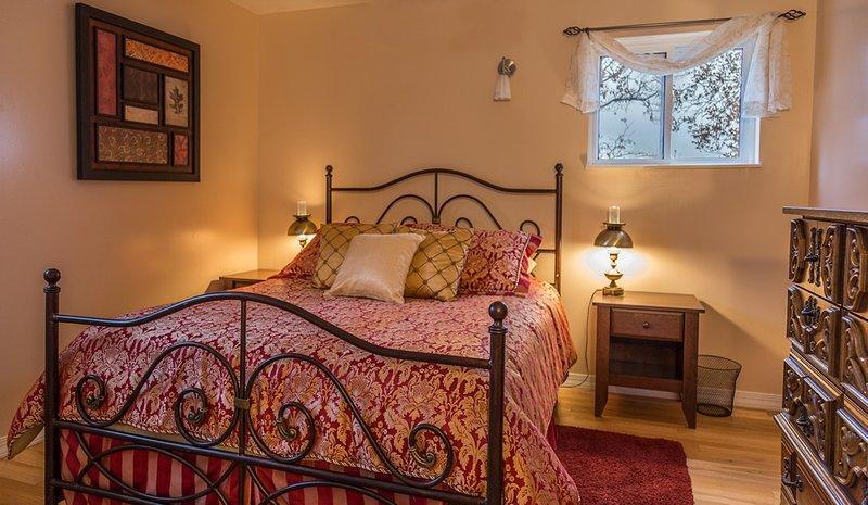 Quarto # 3 está lá em cima e tem uma cama queen size.