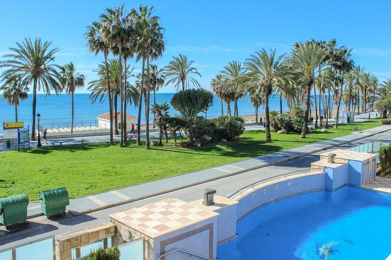 Luxury Beachside Apartment with Sea Views, San Pedro, vacation rental in San Pedro de Alcantara