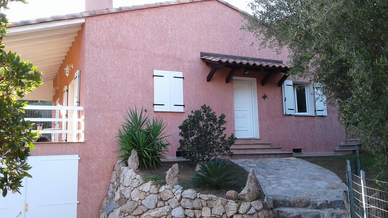 Amazing villa near the beach & Wifi, vacation rental in Sartene